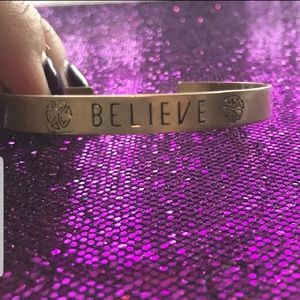"""Jewelry - 🌟NEW!🌟 """"BELIEVE"""" Gold Bangle Bracelet"""
